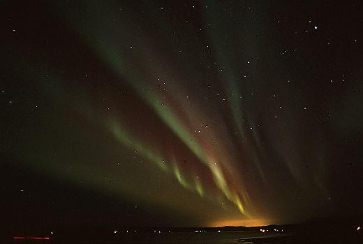 20070105144737_aurora-thingvellirvatn.jpg