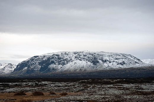 20100317100954_berg_thingvellir_winter.jpg